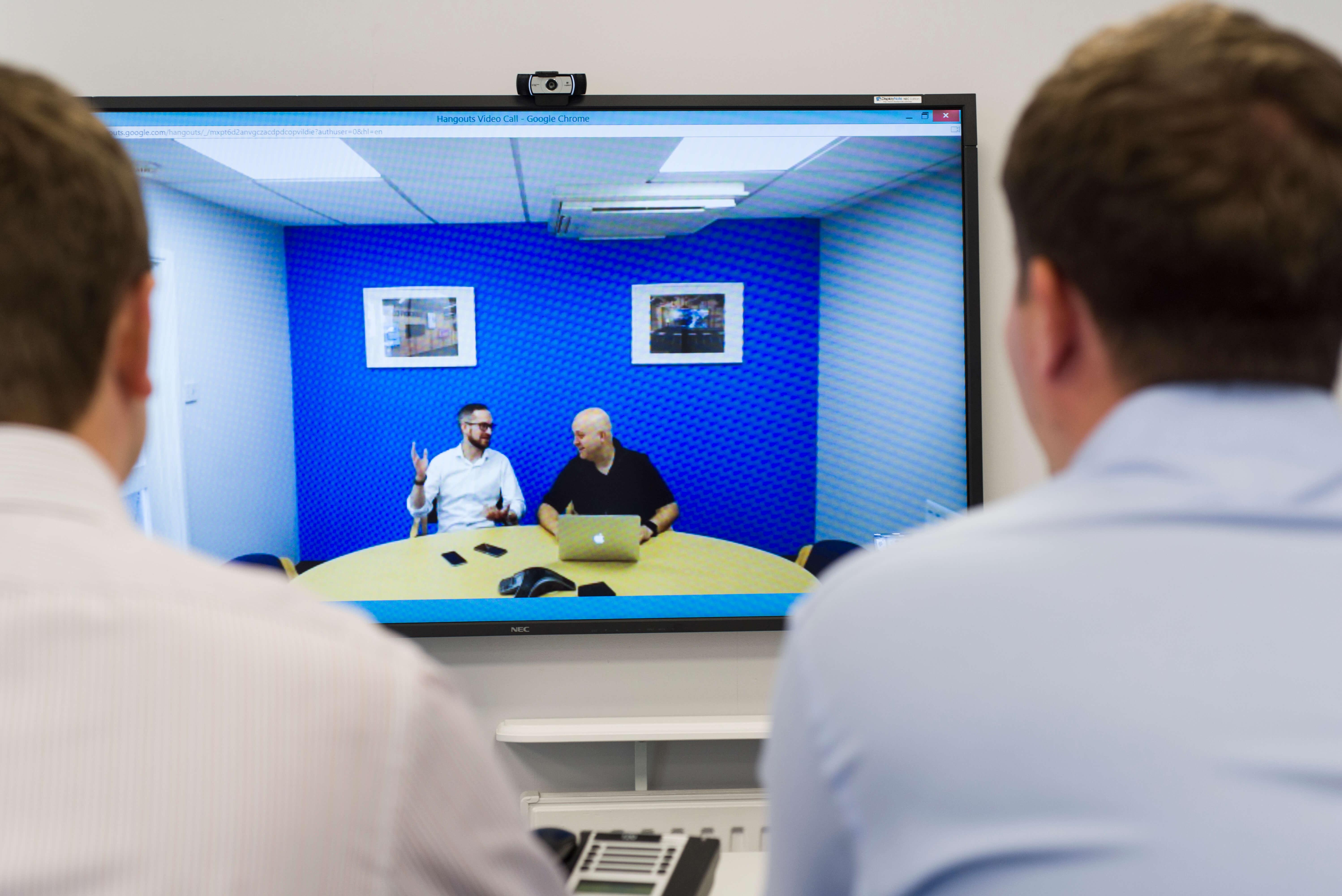 huddle room video conferencing